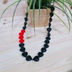 Collar Largo CORAZONES Negro/Rojo
