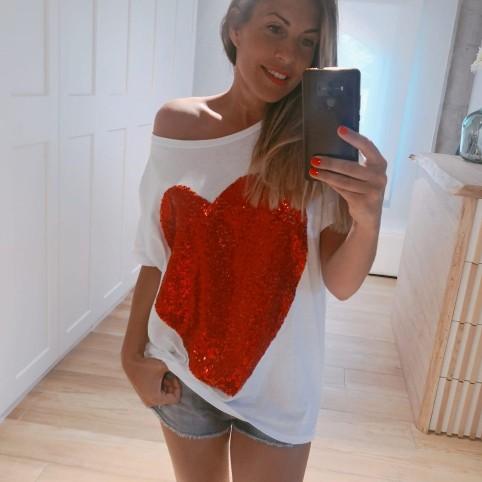 Camiseta Blanca Corazón Rojo