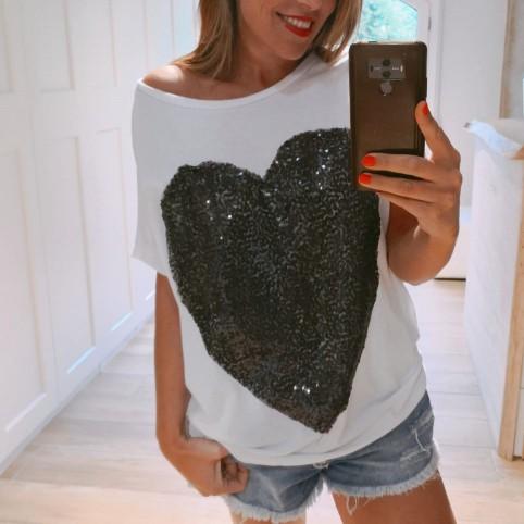 Camiseta Blanca Corazón Negro