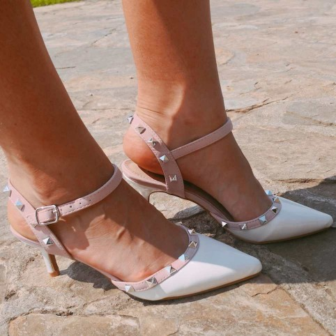 Stiletto Tachas Blanco