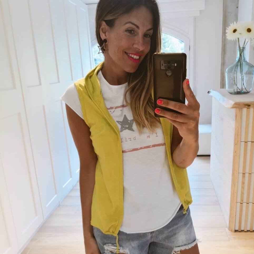 Conjunto Chaleco y Camiseta BRILLIANT Mostaza