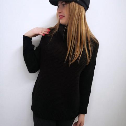 Jersey Básico Cuello Vuelto Negro