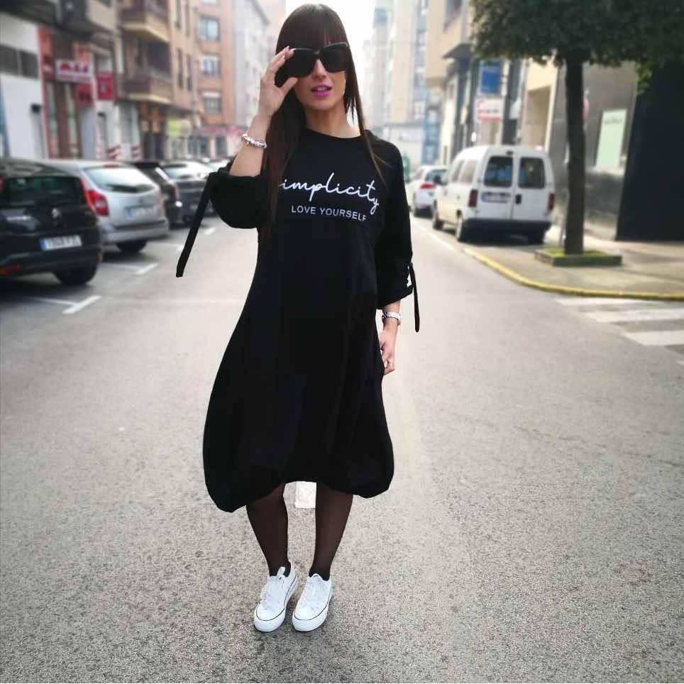 Vestido Abullonado SIMPLICITY Negro