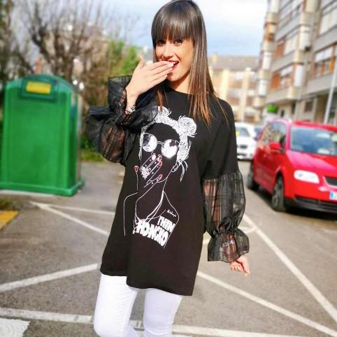 Camiseta Abullonada HONGKOI Negro